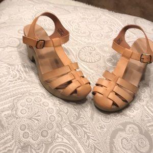 Old navy heel clogs
